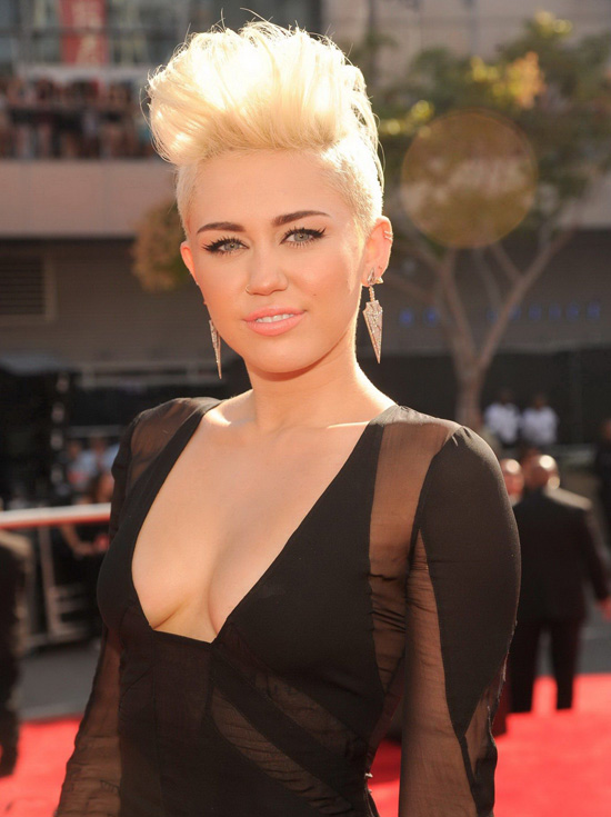 Miley Cyrus - Official Site