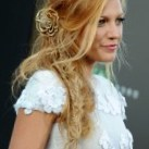 Loose Side Braid Hairstyle – Popular Among Many Celebrities