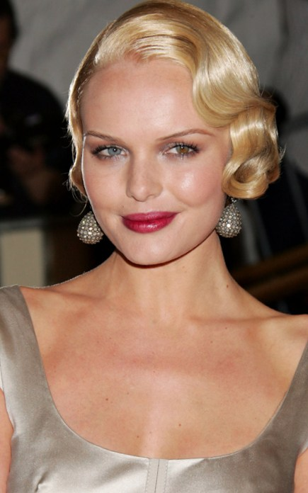 Pretty Finger Wave Hairstyle That You Should Not Miss