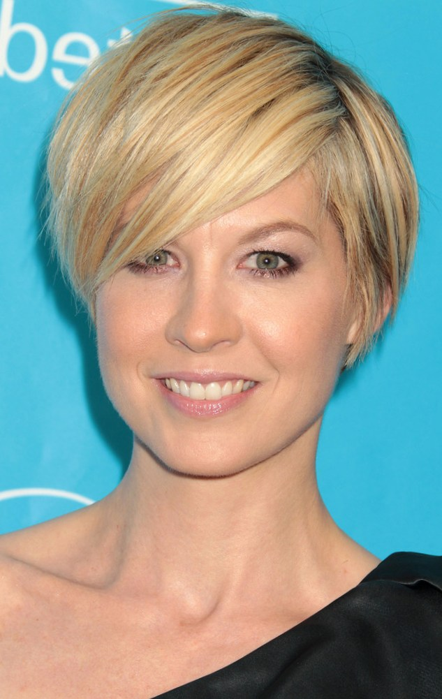 Short Bob Hairstyles with Bangs: 4 Perfect Ideas for You | Talk ...